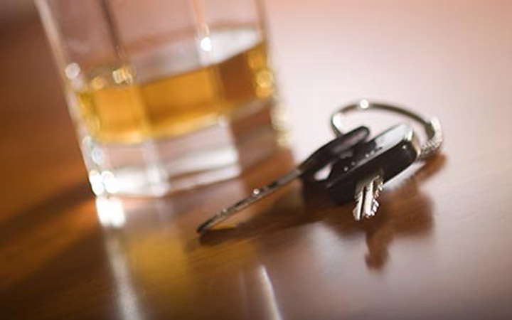 ILUSTRACE_POLICIE_ALKOHOL A KLICE